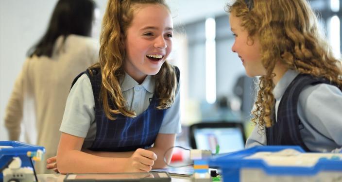 Programski jezik skreč devojčice u školi