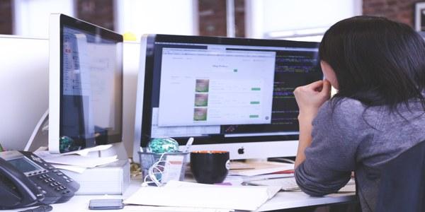 dizajner na poslu